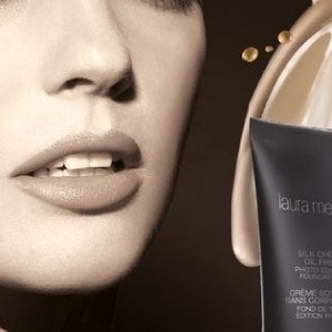 Vielleicht eine Selfie? Silk Creme Oil Free Photo Edition Foundation von Laura Mercier